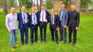 Группа богословов - выпускников прошлого года