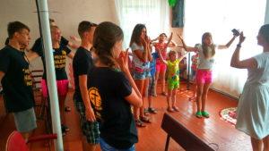 Команда «Сильного поколения» провела в третьей криворожской общине христианскую каникулярную школу «Как стать героем»