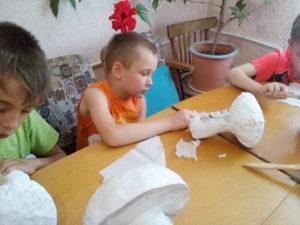 Почти 30 ребят участвовали в каникулярной школе в Пятихатках