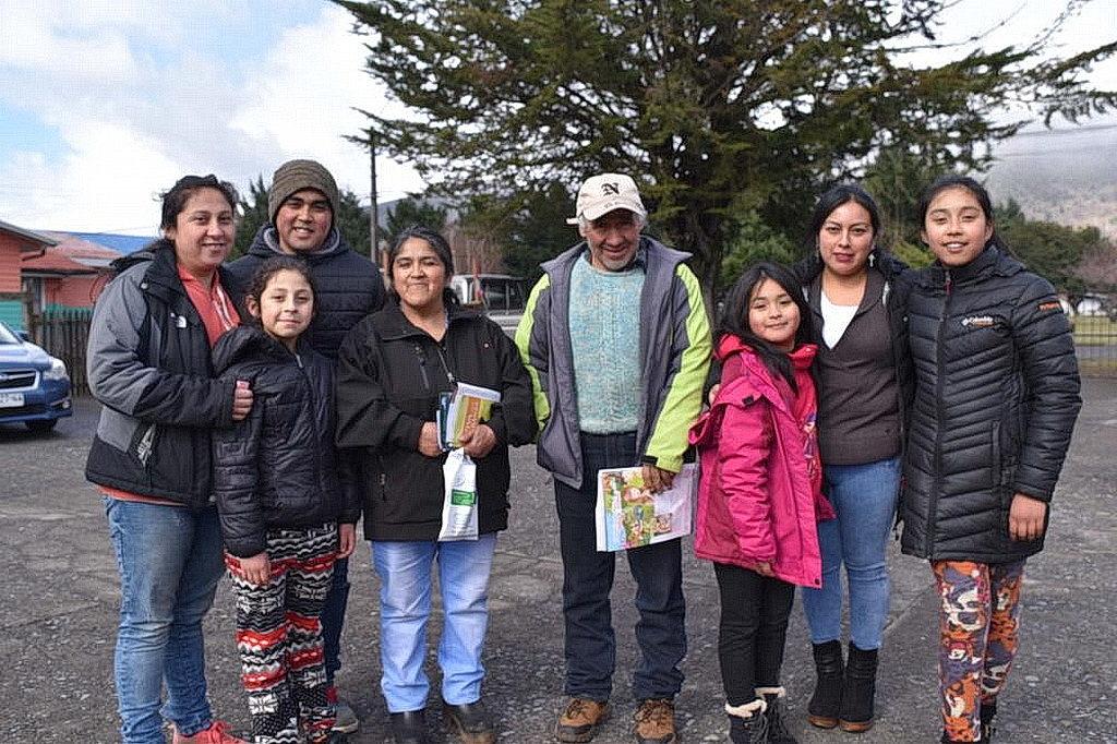 Жители, которые обслуживались в клинике CLINALA, сказали, что они были благодарны за уход, который они получили от команды адвентистских медицинских работников. Больше 200 коренных жителей извлекли выгоду от миссионерской инициативы в южном Чили. [Фото: Новости CLINALA]