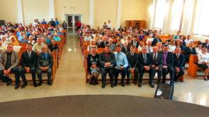 Фото на память со служителями