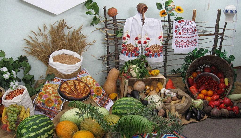 Сцена, украшенная в украинском стиле