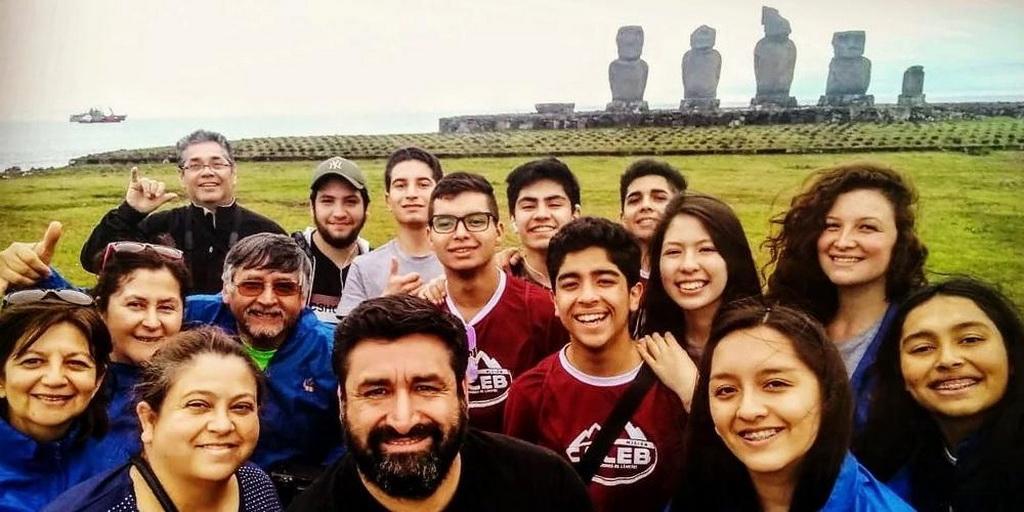В Чили ученики-адвентисты и учителя прибыли на отдаленный остров Пасхи