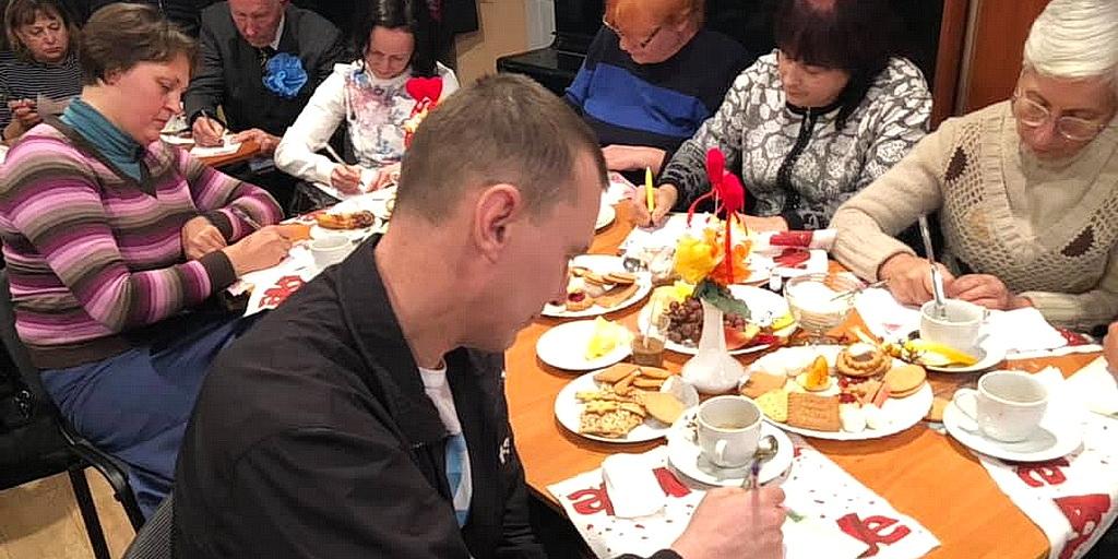 О возвращении в романтическую влюбленность говорили на встрече семейного клуба в городе Каменское