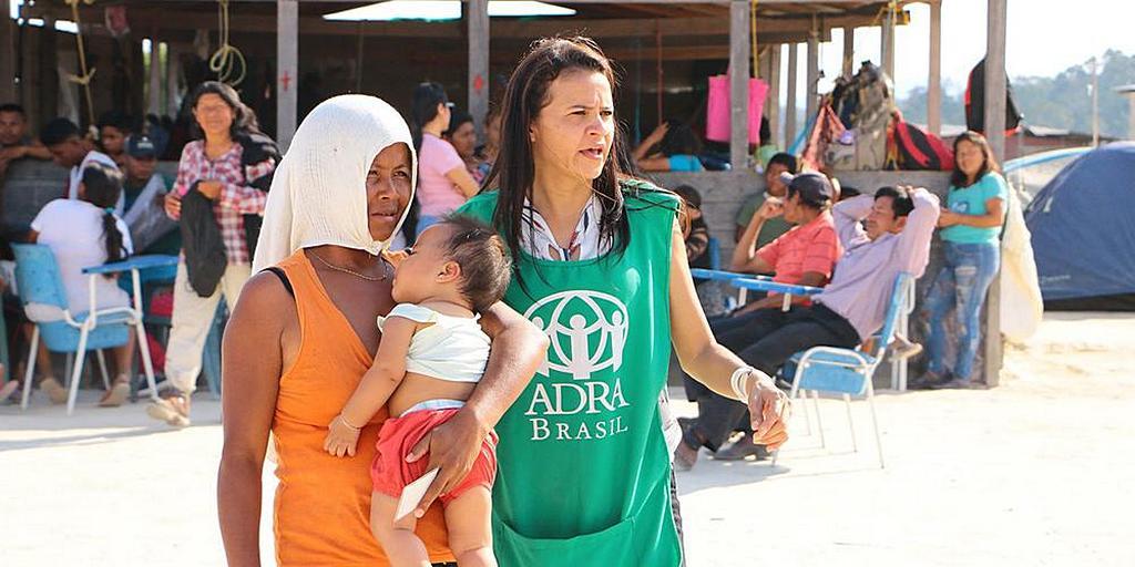 АДРА помогает местной общине принимать беженцев из Венесуэлы