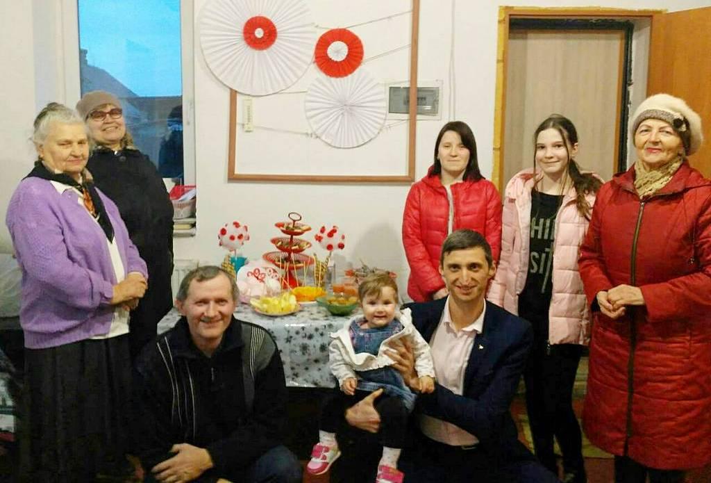 """Женский отдел общины города Марганца провёл 8 марта семинар под названием """"Духовная женщина"""""""
