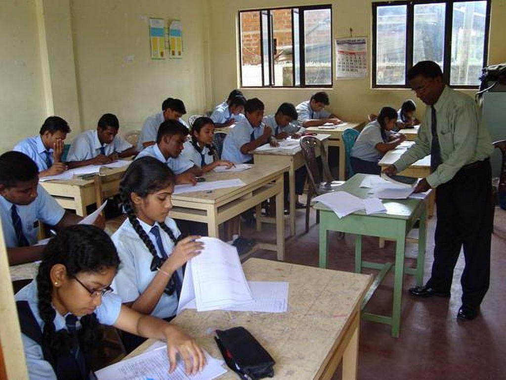 Один из классов в адвентистской Международной Школе, Негомбо, Шри-Ланка, которая находится всего в 200 метрах от места одного из взрывов, произошедших 21 апреля 2019 года. Во время взрывов в школе не было ни одного ученика. [Фото: Новости Южного Азиатско-Тихоокеанского дивизиона]