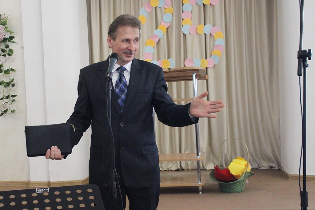 Пастор общины Анатолий Господарец