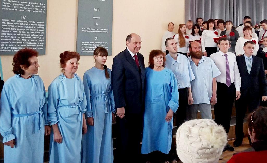 Евангельская программа в Мариуполе завершилась крещением