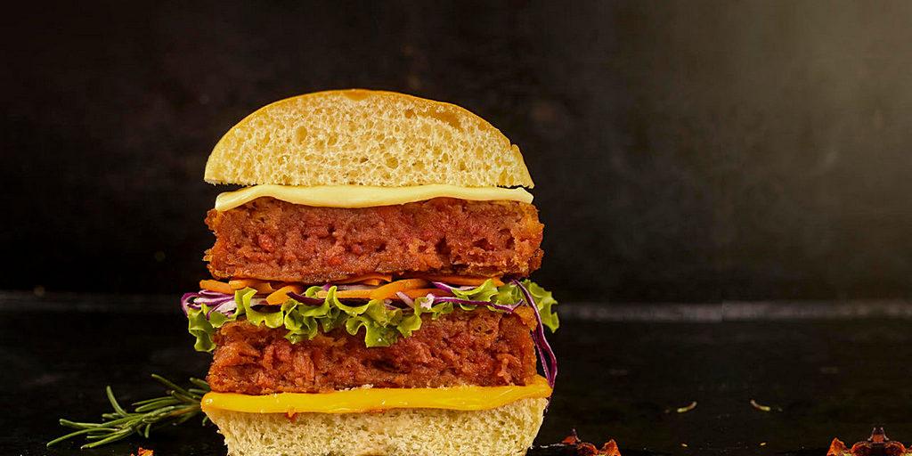 Superbom, компания по производству диетических продуктов для адвентистов седьмого дня в Бразилии, в течение пяти десятилетий занималась разработкой питательных и вкусных заменителей мяса. [Фото: Superbom]