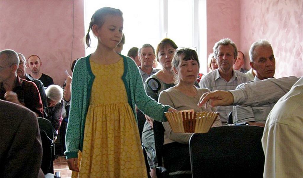 Четыре человека были крещены в Новомосковске