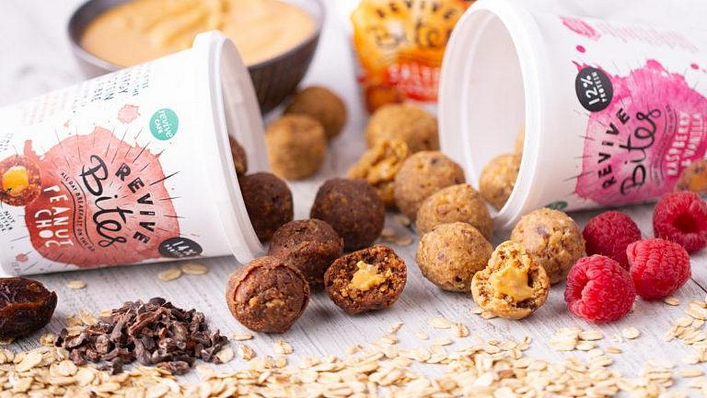 Revive закуски, здоровые подукты, произведенные Служением Возрождения в Новой Зеландии. [Фото: Adventist Record News]