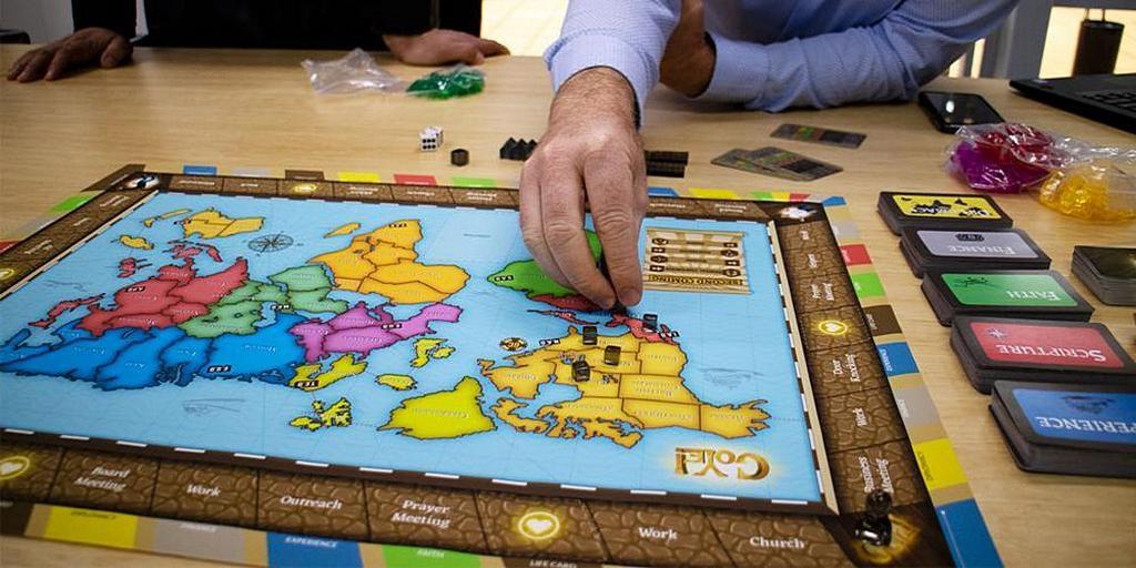GoYe - новая настольная игра для адвентистов, говорит ее создатель, Кайл Моррисон, - объединяет стратегический игровой процесс с историей, идентичностью и миссией адвентистов седьмого дня. [Фото: Adventist Record]