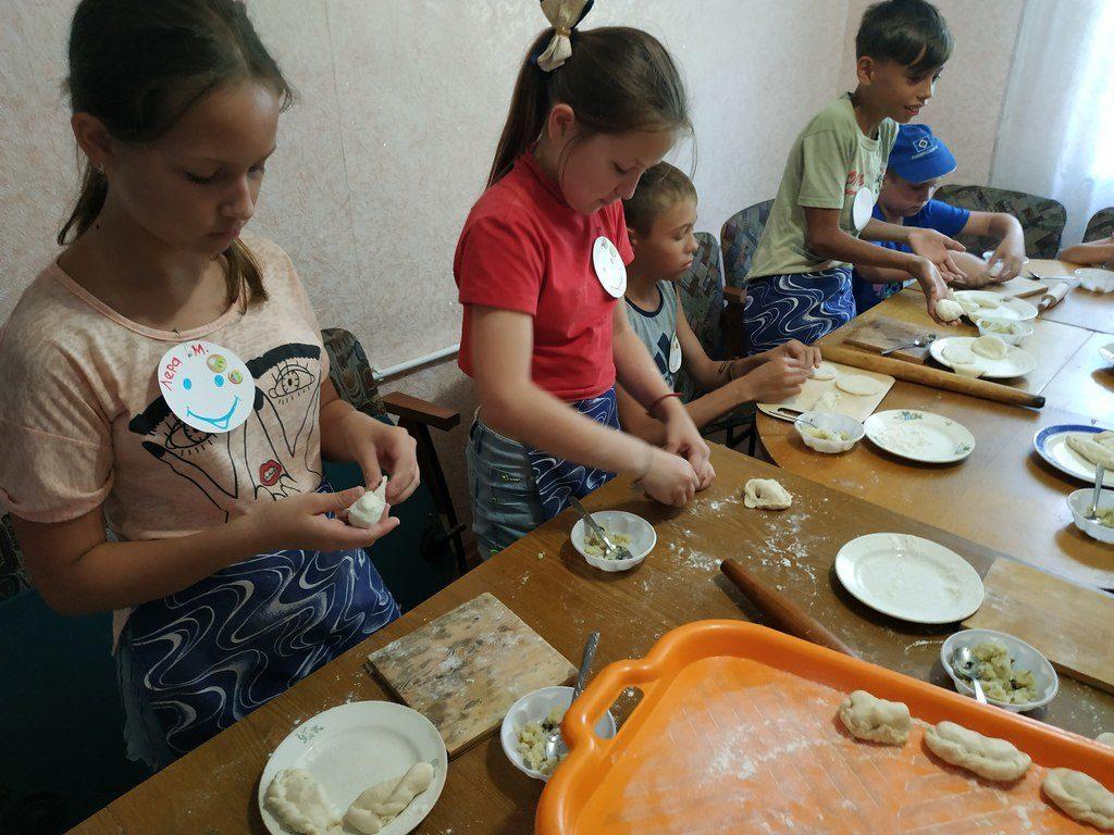 25 ребят участвовали в лагере «Дружболандия» в Пятихатках