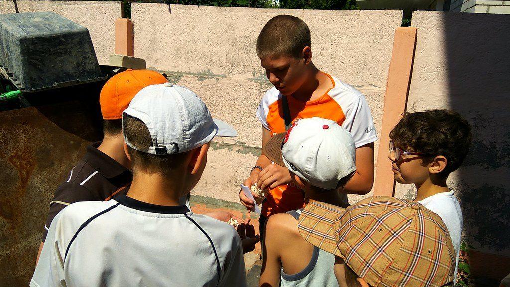 Более 100 ребят посещали каникулярную школу в Харькове