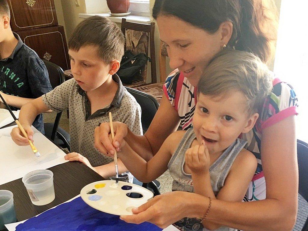 Мастер-класс по рисованию провели для детей Днепровские адвентисты