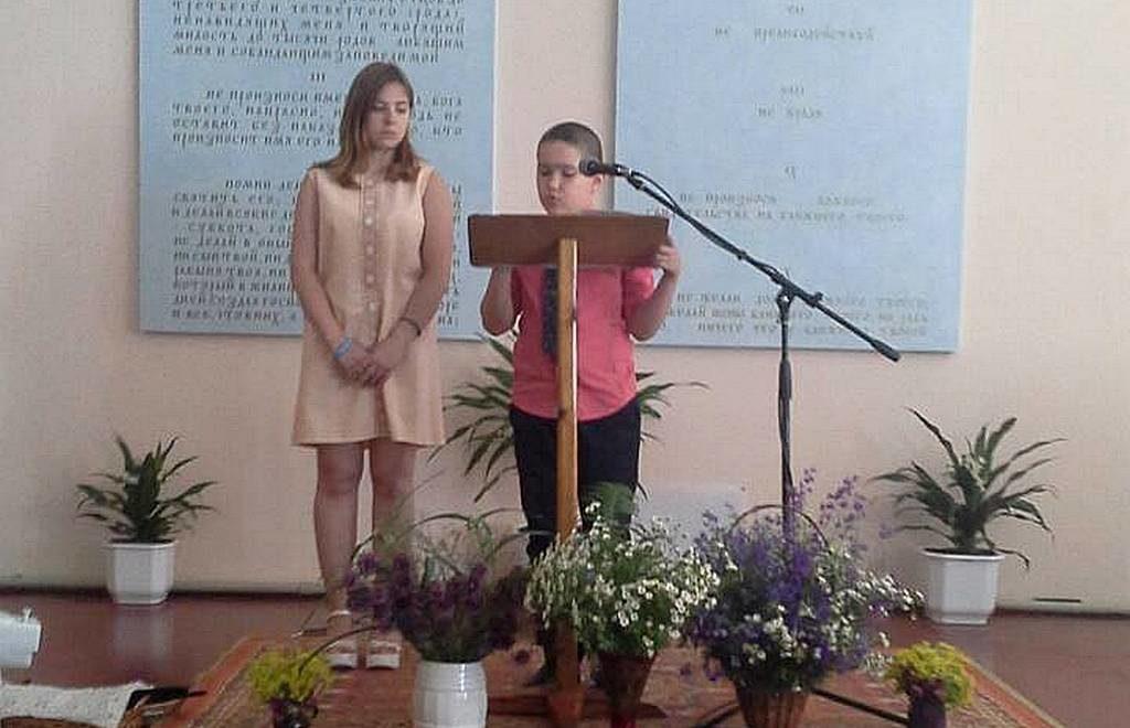 Молодежь проповедовала в Лозовской церкви