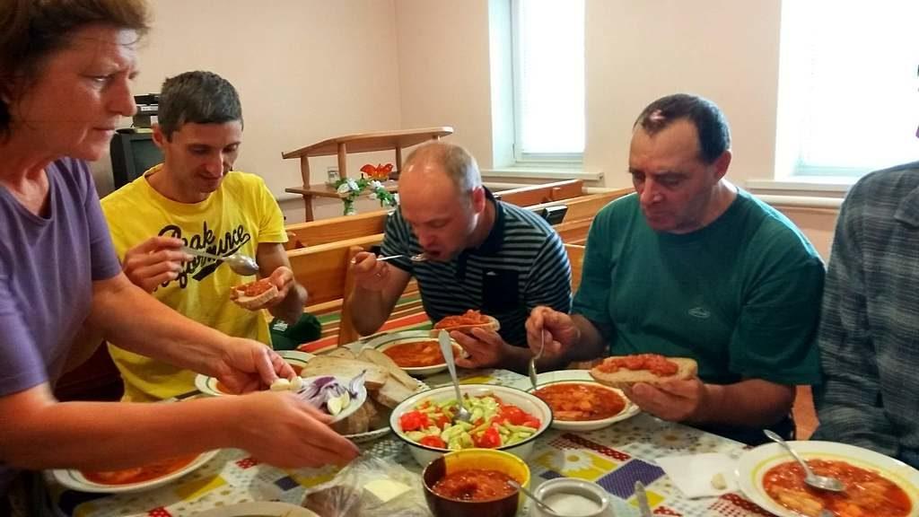 Пасторы Харьковской области приехали поработать в общине города Купянск