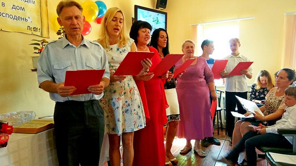 Свадьба и благословение детей состоялись в Волчанске