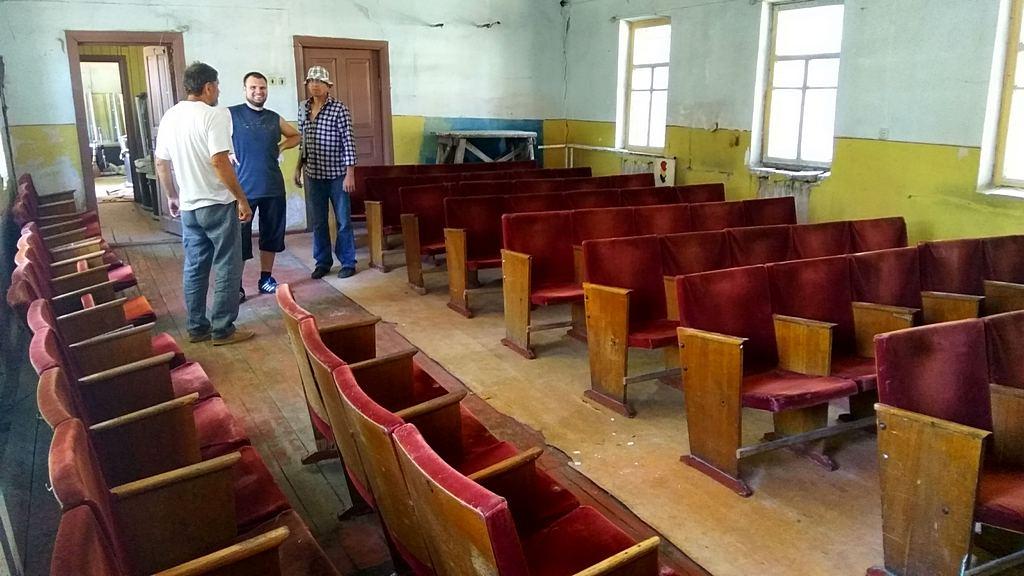 Большое помещение - временное место богослужения церкви