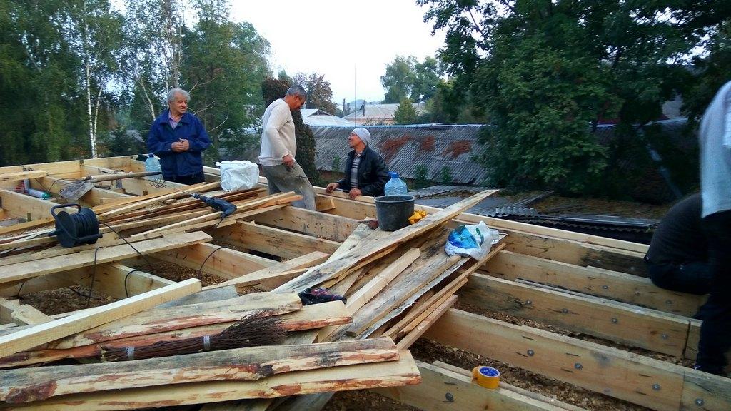 Возведение новой крыши