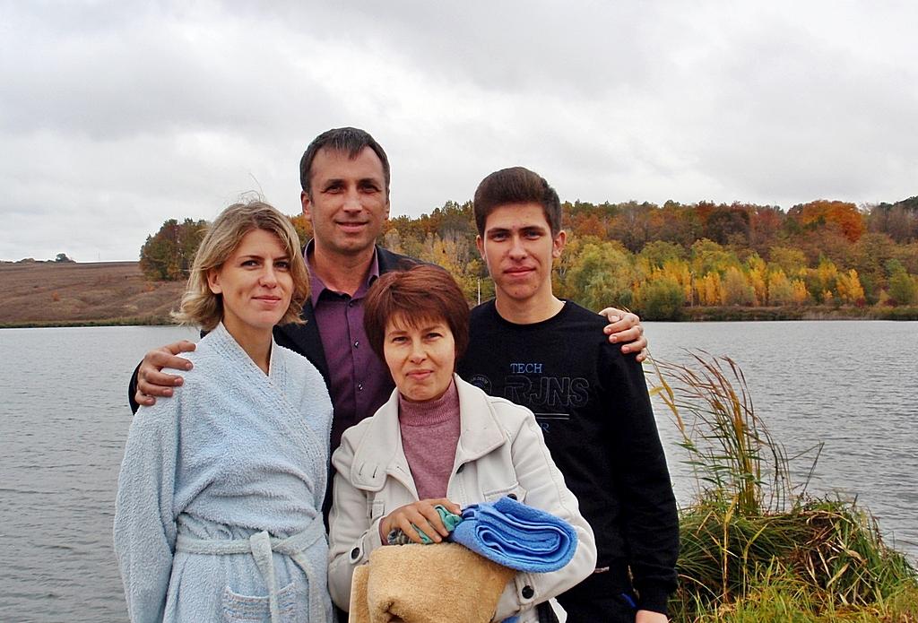 Два человека были крещены в Валках