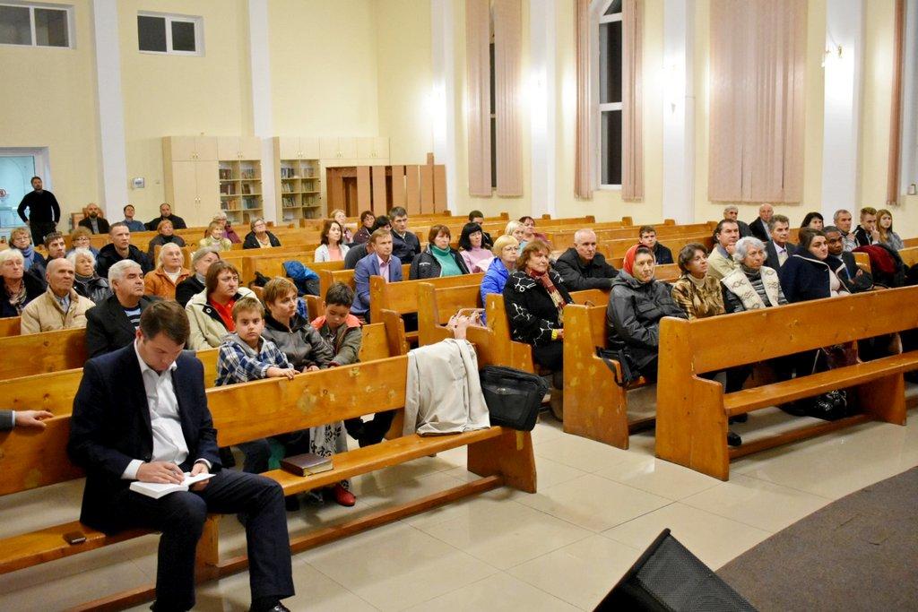 Адвентисты Кривого Рога собрались вместе для молитвы