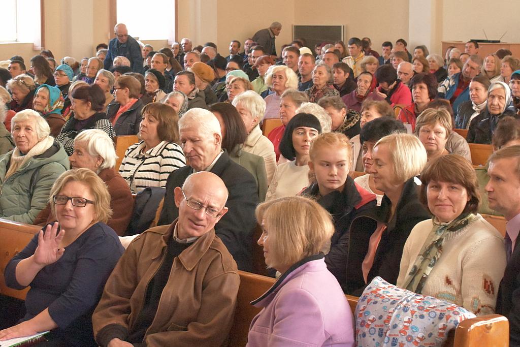 500 человек собралось на миссионерский конгресс в Кривом Роге