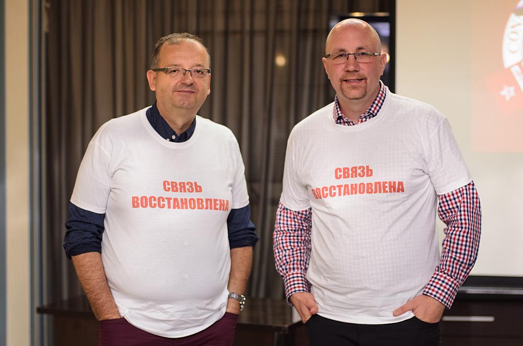 Ян Ляботовский и Витек Вурст в фирменных футболках клуба Connect updated