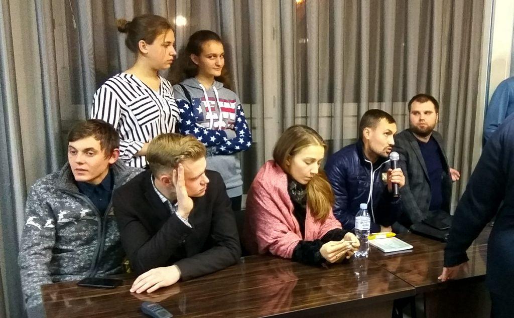 Харьковская молодежь провела дебатный клуб