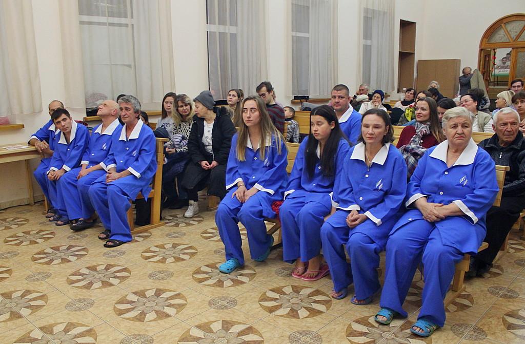 9 человек присоединились к церкви в Днепре