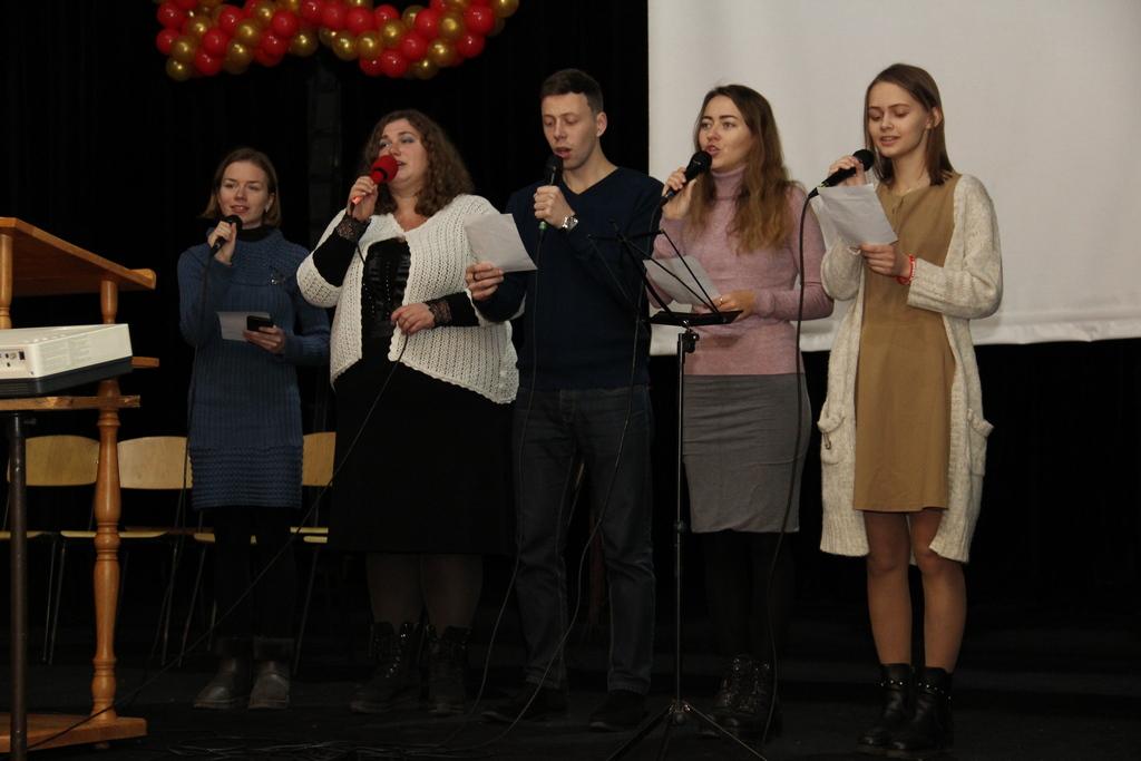 Молодежь общины и гости из первой церкви