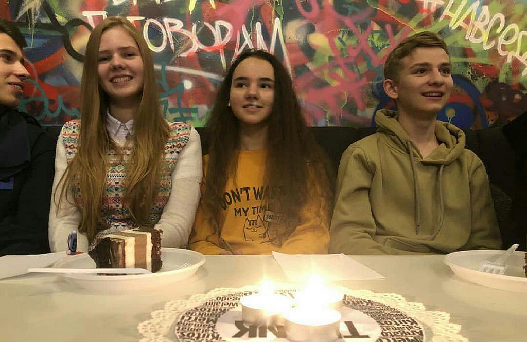 Ребята из Днепра размышляли о благодарности с молодежью Каменского