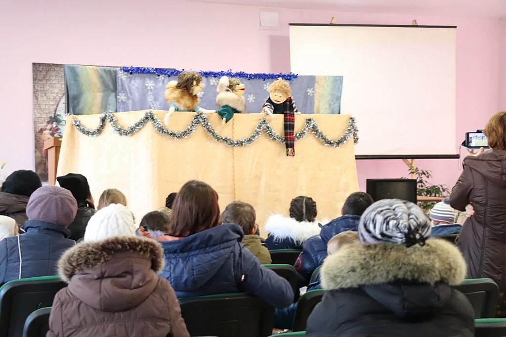 Виставу для дітей з малозабезпечених родин організували адвентисти у м. Кам'янське