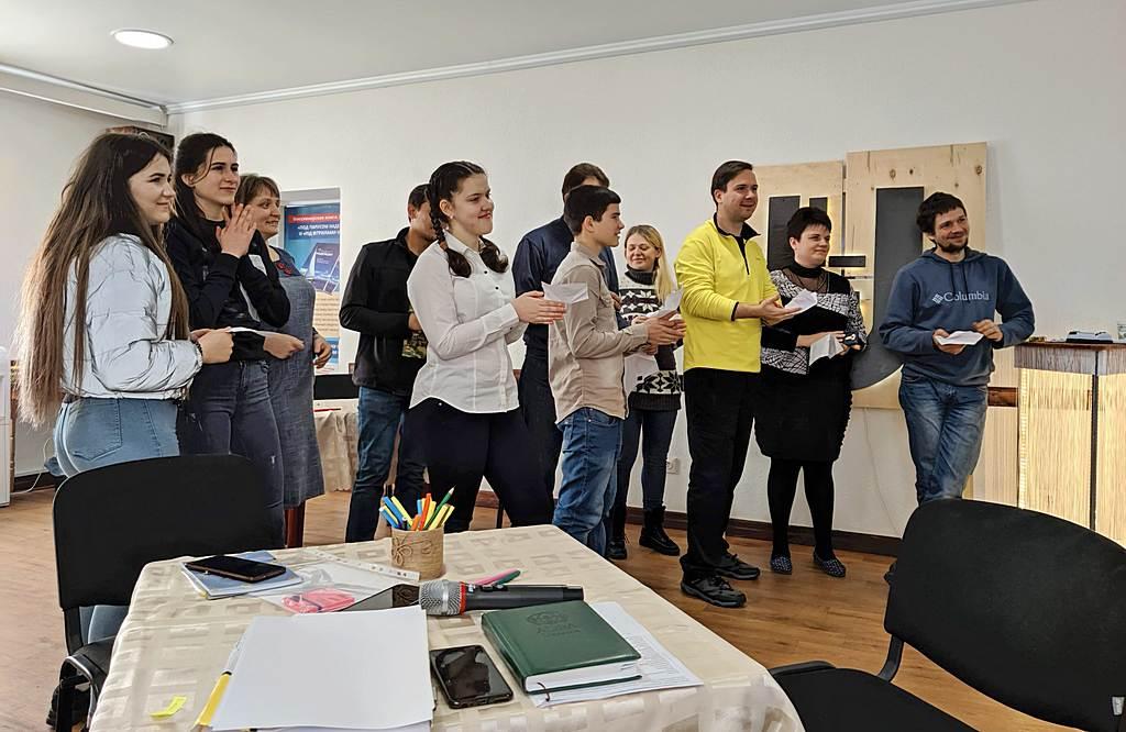 36 молодых людей учились в Краматорске стать лидерами, подобными Иисусу