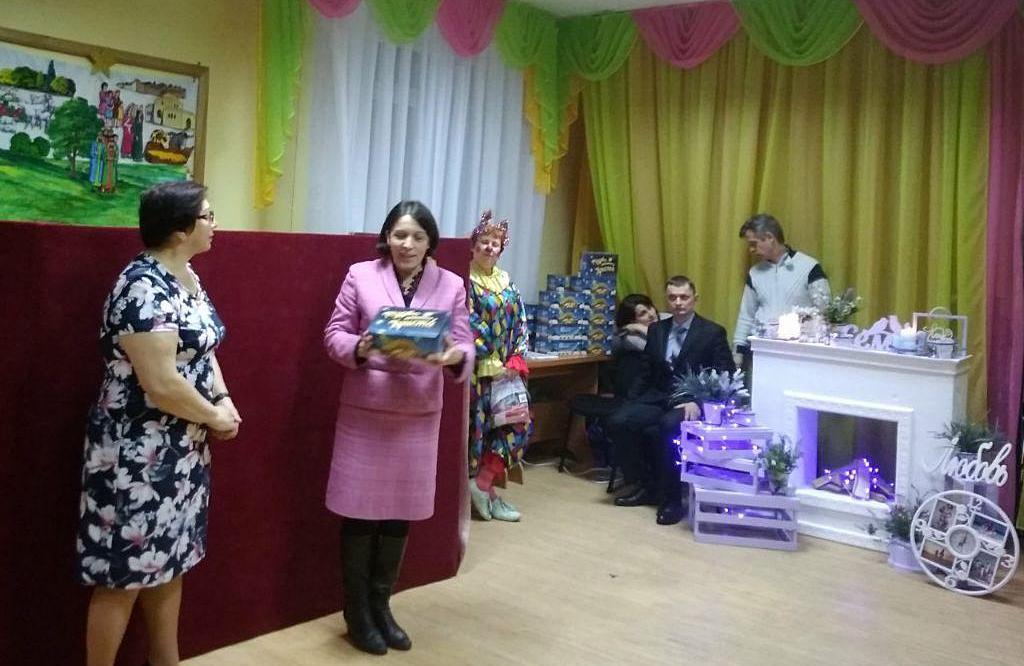 Волонтери Міжнародного благодійного фонду «Крок з Надією» представили свою різдвяну програму у місті Єнергодар