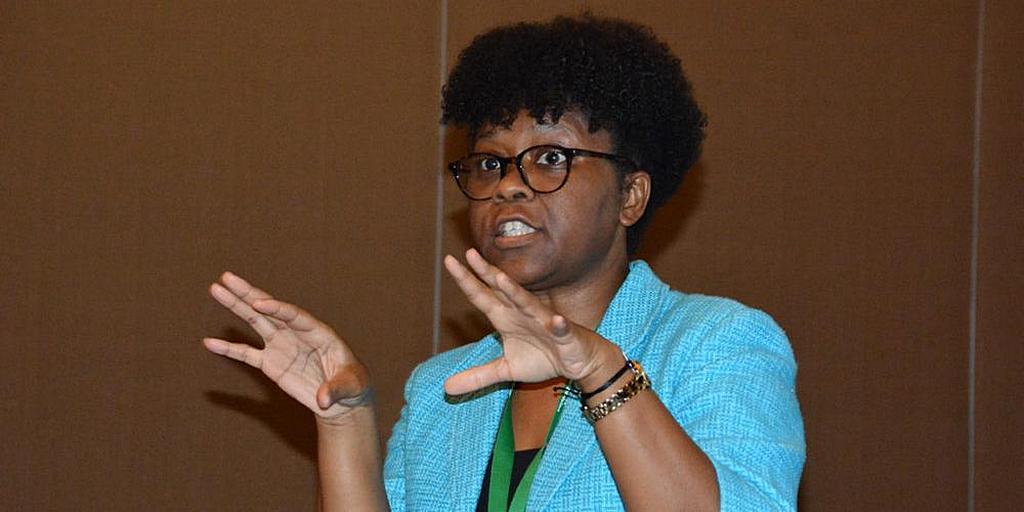 Врач-натуропат Мишель Гамильтон выступает с докладом на семинаре по профилактике рака 24 января 2020 года на саммите Интерамериканского дивизиона по здоровью в Пунта-Кане, Доминиканская Республика. [Фото: Найджел Кокс, Новости Интерамериканского дивизиона]