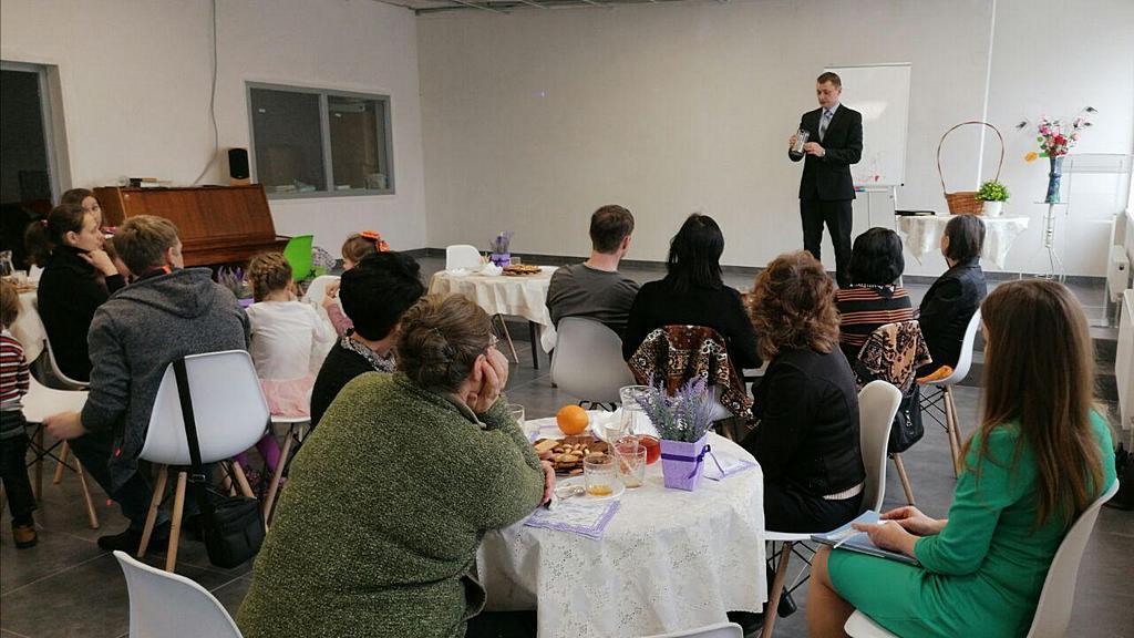 Адвентисты Энергодара организовали для своих друзей встречу «За чашкой чая»