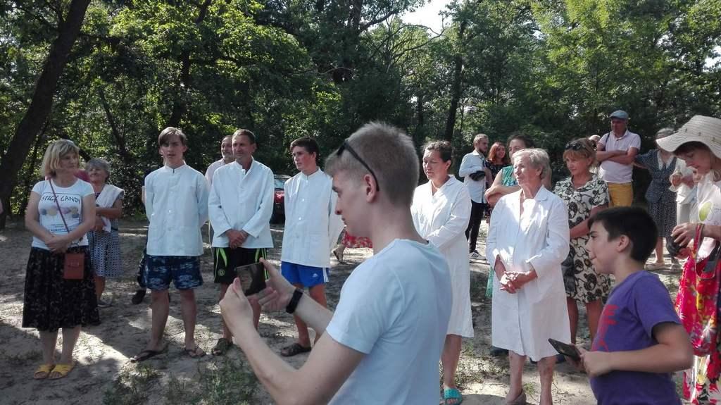 Шесть человек были крещены после евангельской программы в Новомосковске
