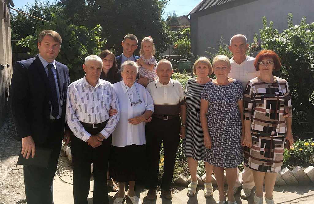 Памятное фото с членами 4 Запорожской церкви