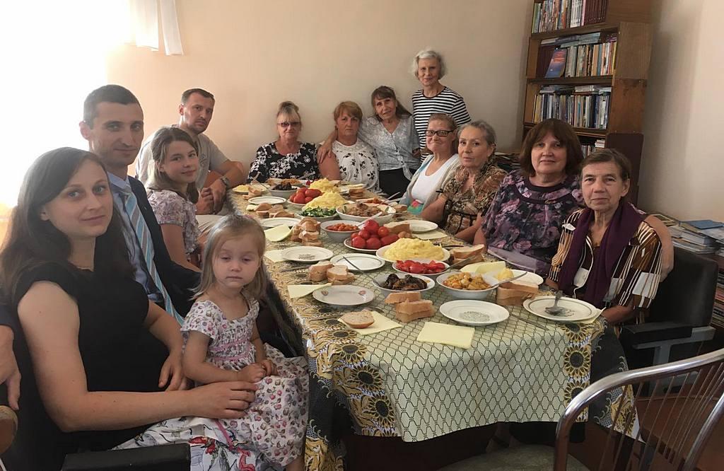 Обед с церковью в Вольнянске