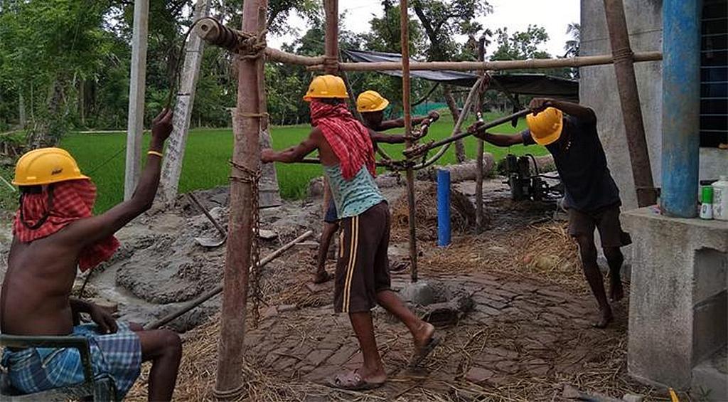 В 2019 году Maranatha начала бурение водяных скважин в районах Индии, нуждающихся в чистой воде. [Фото: Maranatha Volunteers International]