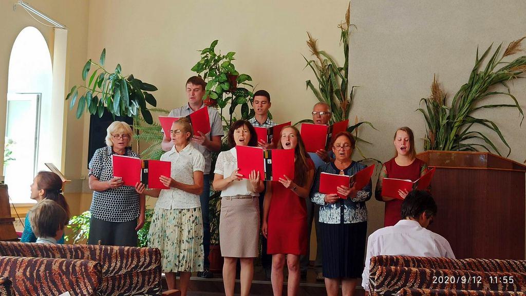 Старейшая Запорожская община провела жатвенное благодарственное служение