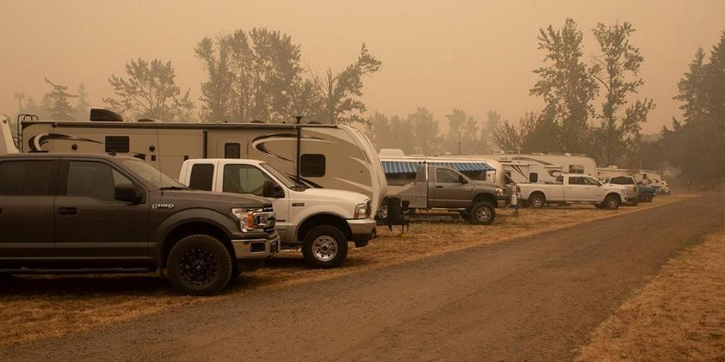 Национальная газета во время пожаров опубликовала фотографии адвентистского лагеря
