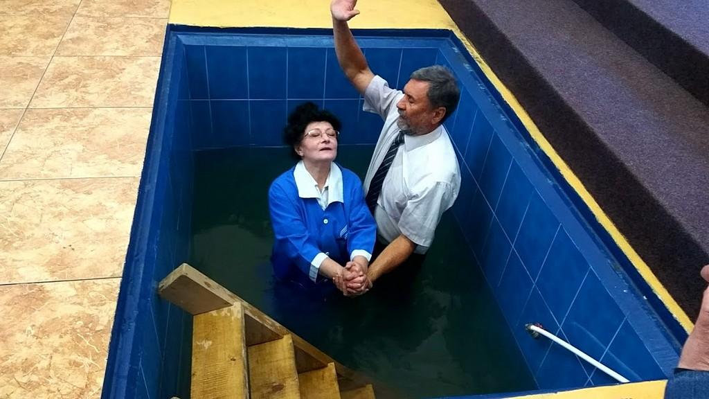 Перед вечерей Господней в Харькове состоялось служение крещения
