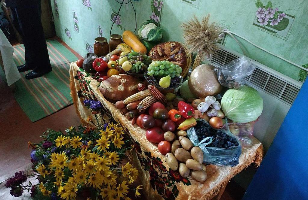 Члены церкви Краснограда и Сахновщины провели совместное жатвенное богослужение
