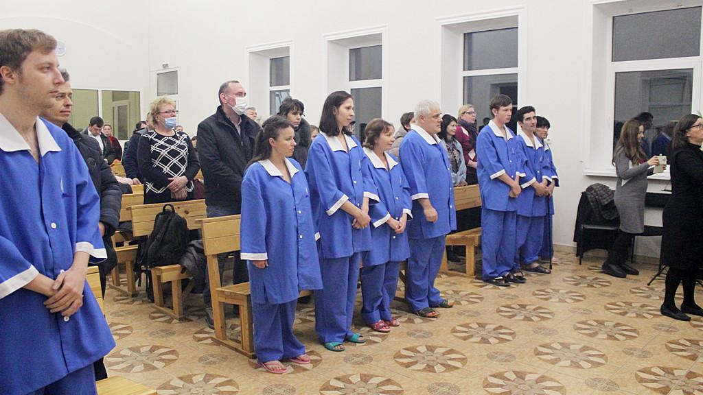 Восемь человек присоединились к церкви в Днепре посредством водного крещения