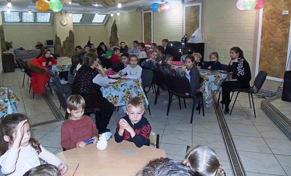 Библейскую викторину провели в Харькове для ребят из учебного центра «Гармония»