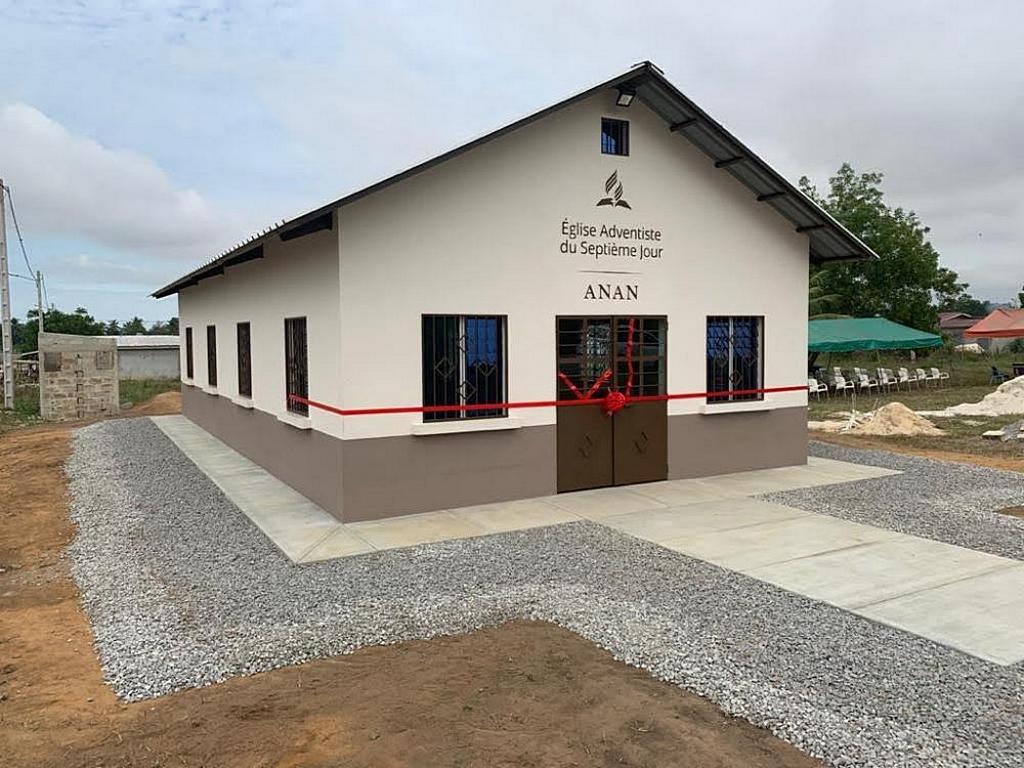 Церковь адвентистов седьмого дня Анана была первым зданием, построенной организацией Maranatha Volunteers International в Кот-д'Ивуаре. [Фото: Maranatha Volunteers International]