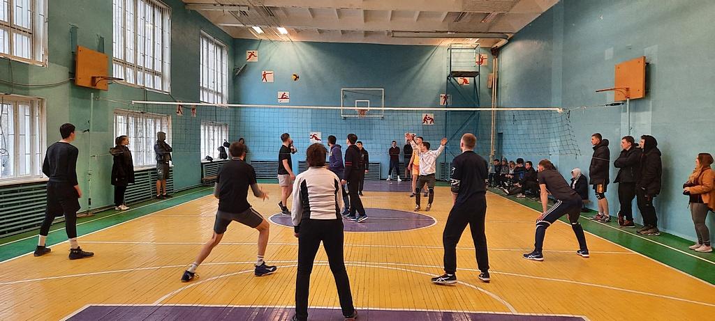 Молодежные команды конференции встретились на волейбольном турнире